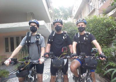 De gauche à droite : Vincent Jarry, Philippe Apparicio, Jeremy Gelb, en collecte à New Delhi