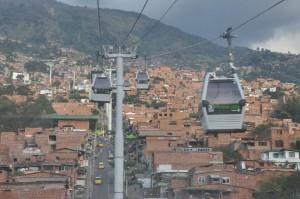 Métrocable - Système de transport urbain par téléférique, Medellin, Colombie. Image libre de droits.
